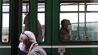 Глобиха трима души без маски в градския транспорт в София