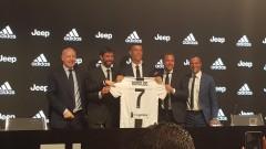 """""""Ювентус"""" изкара половината сума за трансфера на Роналдо за 24 часа от продажба на тениски"""