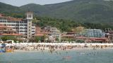 """По Черноморието наемат всичко, което """"мърда"""", не дават добри заплати"""