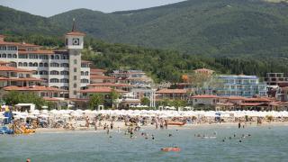 Къде прекараха лятната си ваканция българите? Говорят цифрите
