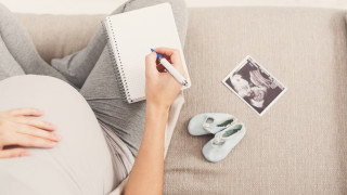 Какво да избягваме при избор на име на бебето