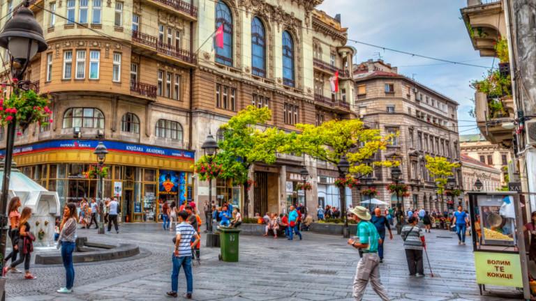 Сърбия раздава по €100 на всеки възрастен