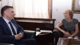 Кирилов търси дипломатическа помощ за наше дете, взето от социалните в Холандия