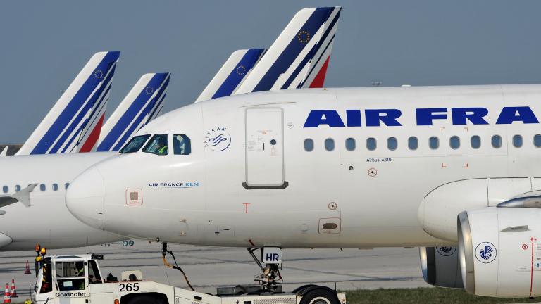 Синдикатите в Air France плашат с нови стачки