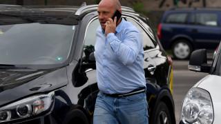 Тити Папазов профуча на червен светофар с колата си в София