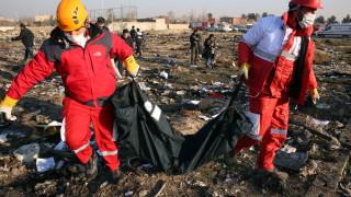 """Иран откри черните кутии на разбилия се самолет - отказва да ги предаде на """"Боинг"""""""