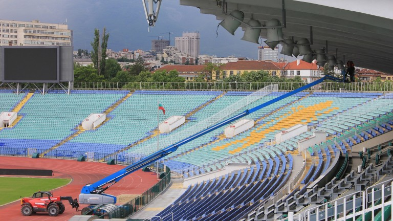 """Започна монтажът на озвучителната система на стадион """"Васил Левски"""""""