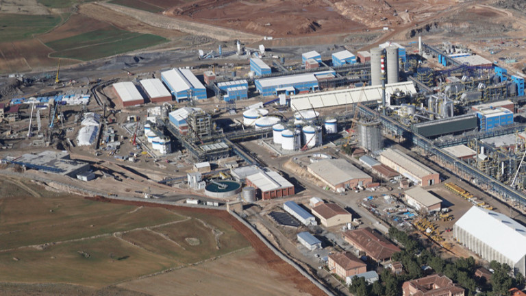Снимка: Китай и Алжир строят химически мега завод за $6 милиарда