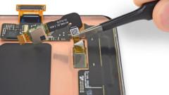 Ремонтите на Samsung Galaxy S10 ще са скъпи и трудни