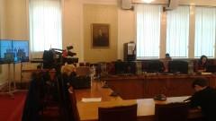 Депутатите се страхуват от коронавирус, журналистите са в изолатор