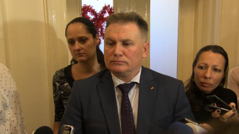 Управителят на Националната здравноосигурителна каса Камен Плочев може да не