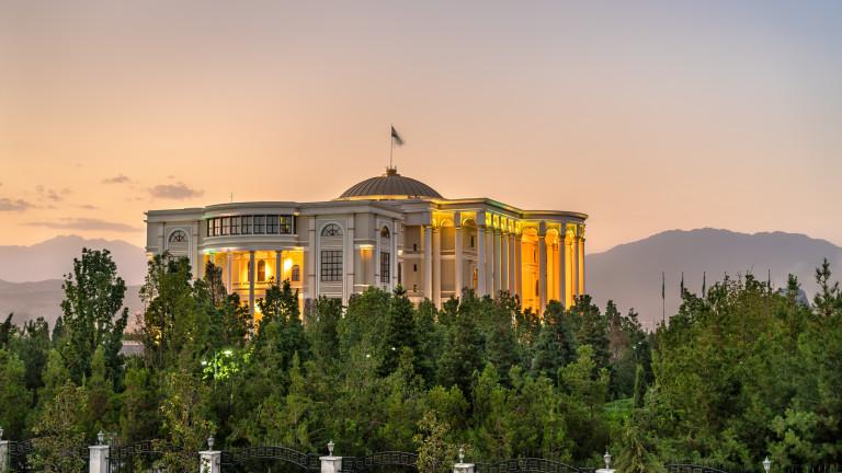 Полицията в Таджикистан обвини забранена опозиционна партия за атаката