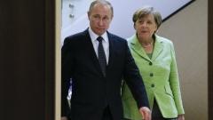 Русия е конструктивен партньор, но санкциите остават, обяви Меркел в Сочи