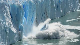 Един от най-големите айсберги може да се откъсне от Антарктида