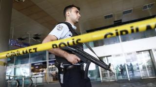 """На летище """"Ататюрк"""" арестуваха двама, заподозрени за членове на ДАЕШ"""