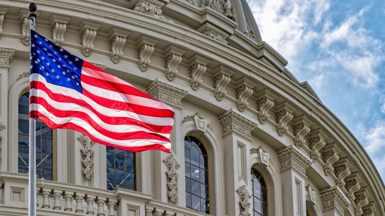 Дефицитът на САЩ расте с десетки милиарди