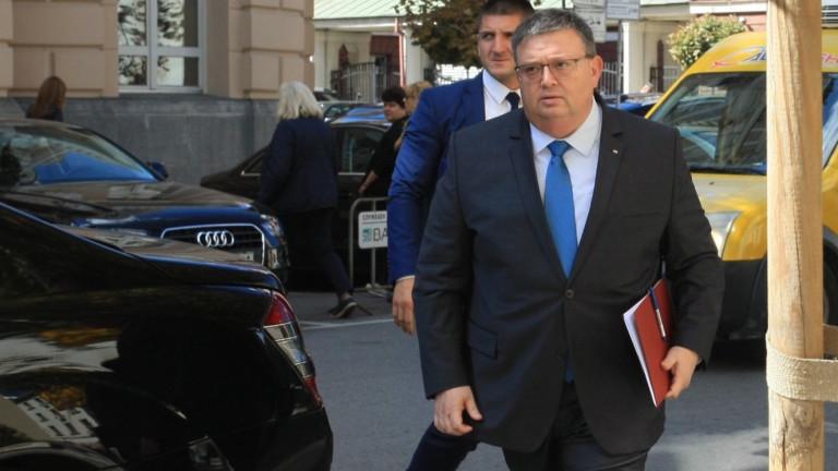 Цацаров сравни Агенцията за българите в чужбина с ДАИ