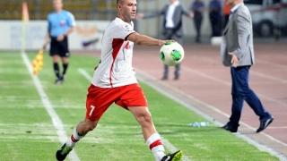 Върнаха Пеев и Сираков в първия отбор