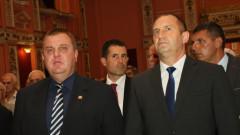 Каракачанов за преговорите за изтребител: Дяволът е в нюансите