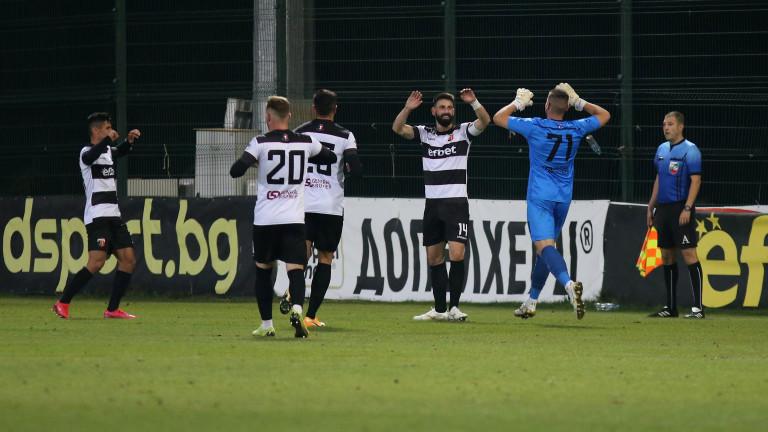 Локомотив (Пловдив) - Монтана 2:2, бърза размяна на голове