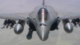 Британски и френски изтребители следят руски самолети