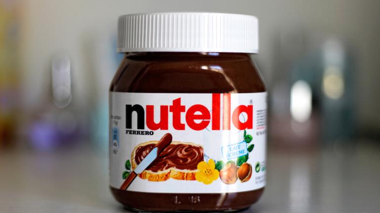 """Производителят на Nutella """"отвръща на удара"""" за рисковете от палмовото масло"""