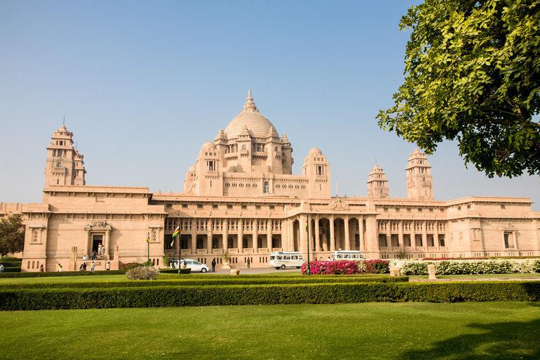 Дворецът Умаид Бхаван