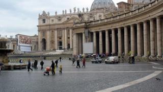 Френските цигани – на площада Св. Петър в Рим