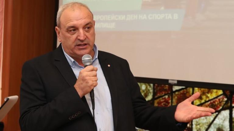 Зам.-министър Андонов откри детски футболен турнир