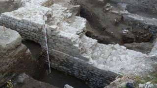 Археолози проучват уникален трако-римски комплекс край с. Стройно