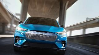 Продажбите на Ford в Китай се сриват с една трета