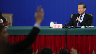 Китай: Не се опитваме да изместим САЩ