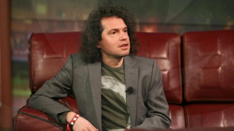 Идеята за референдум не е удобна на политиците, обявиха хората на Слави Трифонов