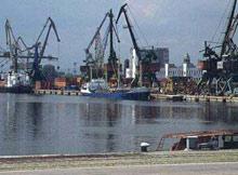 Местят пристанището във Варна