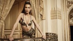 Бела Хадид - невероятно секси в новата кампания на Versace