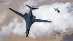 Проблемни парашути приземиха американски бомбардировач