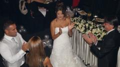 Яна била с рокля менте на сватбата?