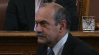 Полупразна зала и само трима министри дебатират Бюджет 2012
