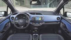 Автомобилни производители се изправят срещу Apple и Google
