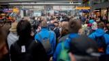 Хаос с влаковете и метрото в Северна Германия след бурята