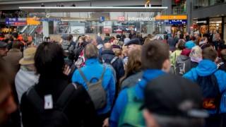 Пращат гръцки полицаи на летищата в Германия