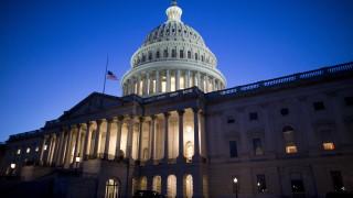 Инфарктни преговори в Сената за финансирането на администрацията
