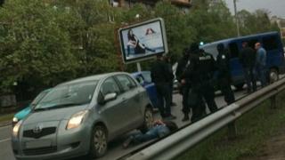 Маскирани полицаи атакуваха автомобил на Цариградско