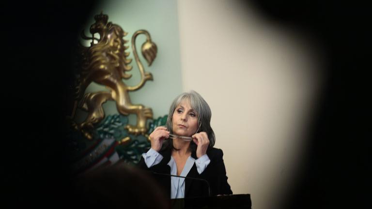 Вицепрезидентът отрече децата й да имат влогове за милиони