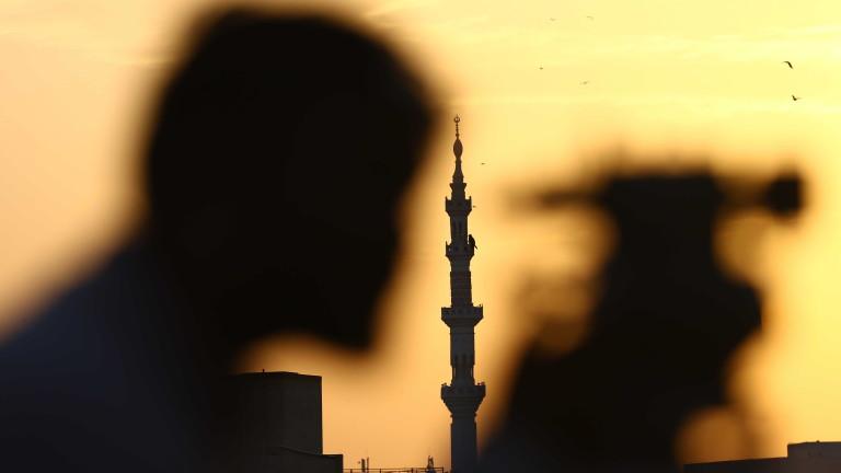 Пакистан следи потенциалните случаи на коронавирус с антитерористична технология