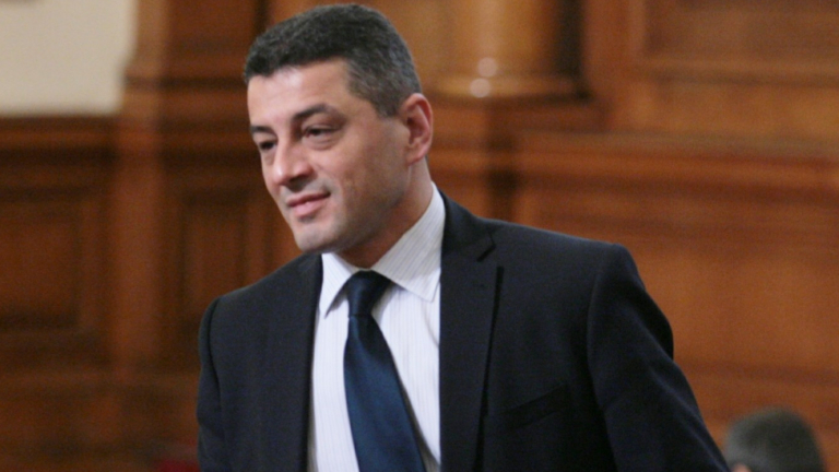 БСП поиска оставката на Валентин Радев