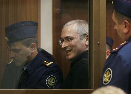 Путин освободи Михаил Ходорковски