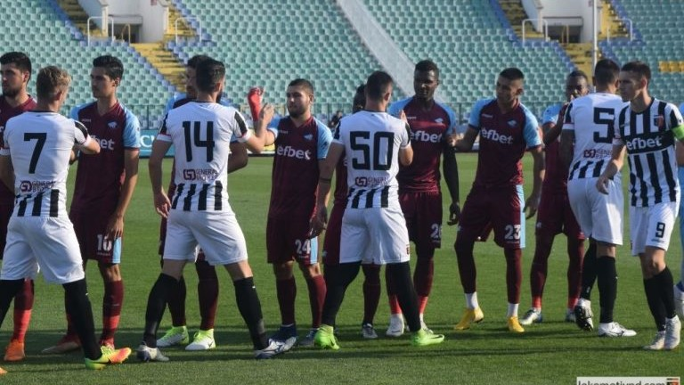 Локомотив (Пд) пуска билетите за полуфинала за Купата със Септември в деня на мача