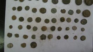 Полицаи иззеха антични монети и украшения