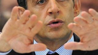 """Саркози """"извади"""" топ план за икономиката"""